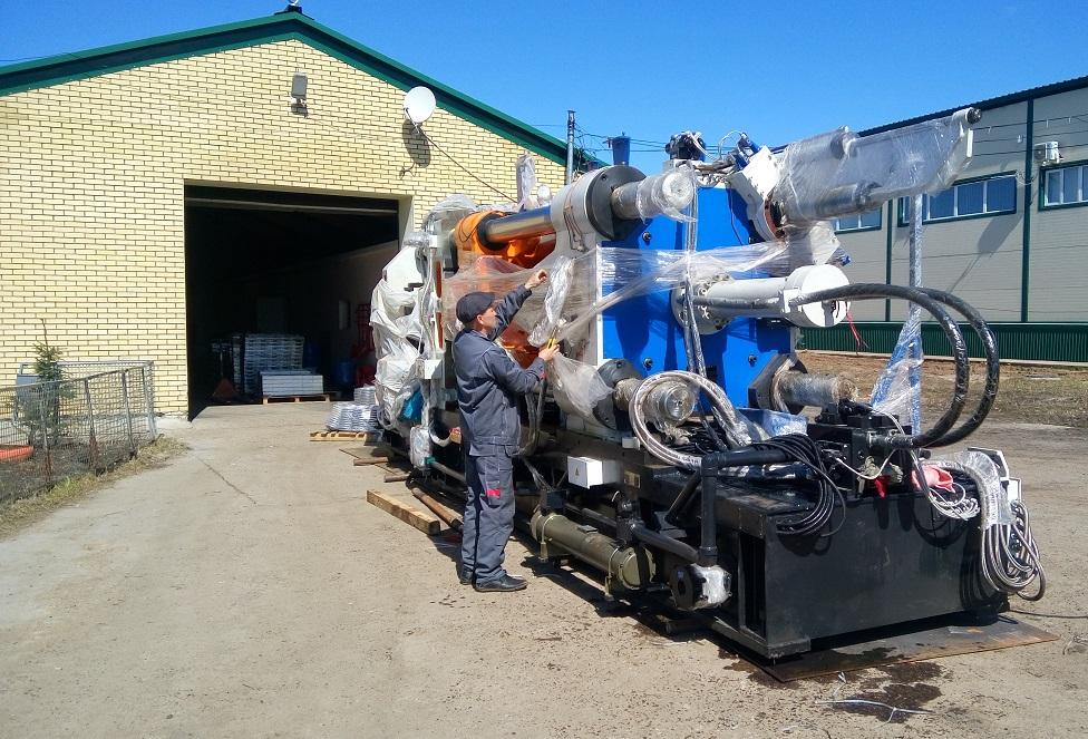 Подготовка машины MS900 (усилие запирания 900 тонн, вес машины 40 тонн) к перемещению по цеху