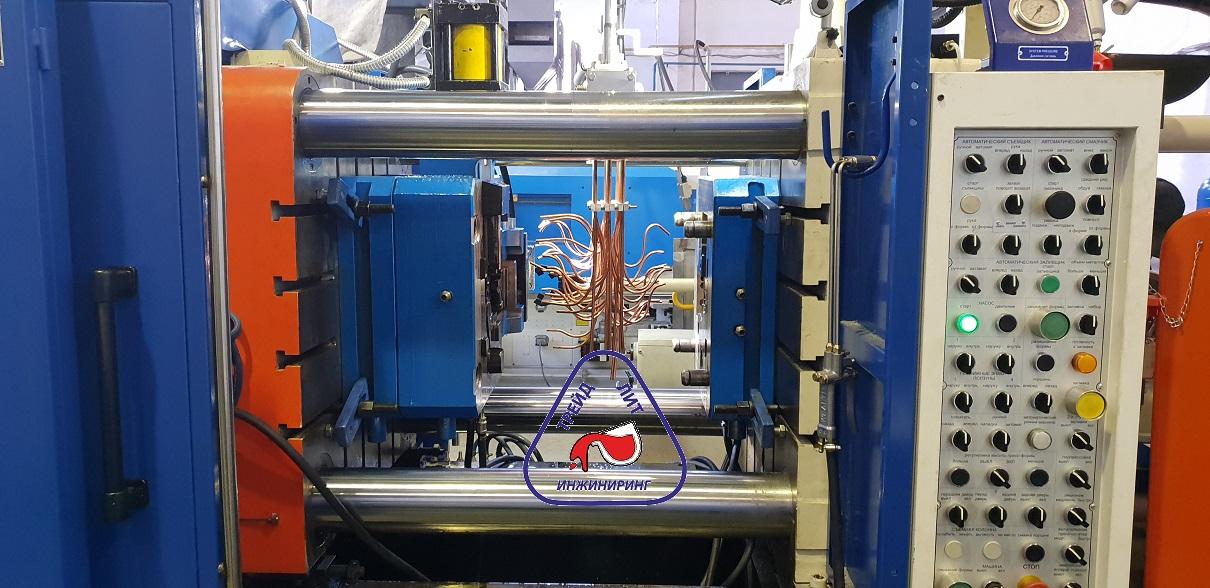 Пресс-форма трейд-лит инжиниринг с гидравлическими цилиндрами
